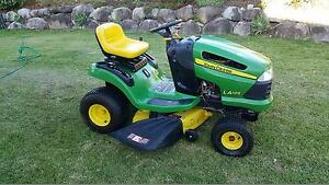 John Deer Lawn Tractor LA 105 The Palms Gympie Area Preview