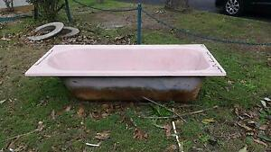 Old bathtub Marks Point Lake Macquarie Area Preview