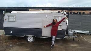 Retro Caravan Hire Cairns Cairns City Preview