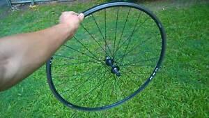 Second-hand 700C road bike front wheel