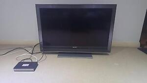 SONY BRAVIA 40inch LCD with a SONIQ Set-top Box for Sale Carnegie Glen Eira Area Preview