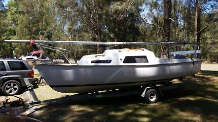Careel 18 trailer yacht, number 386. Like new, full restoration! Newport Pittwater Area Preview