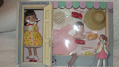 Betsy Mccall 8 Millinery Doll Set 2005'