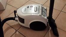 Stunning Samsung Twin Bagless Vacuum Cleaner 2000W Neutral Bay North Sydney Area Preview