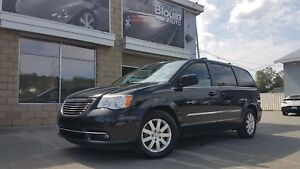 2015 Chrysler Town & Country Touring, 58 362 km!! Moteur 3.6L