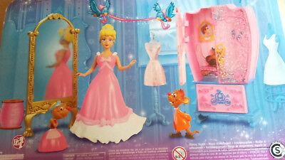 Disney Prinzessin Und Prinzen (Disney Prinzessinnen – R4889 – Puppe – Disney Mini Cinderella und Möbel / MATTEL)