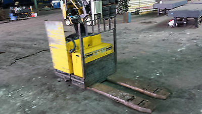 Crown 60pr-27-3 Electric Pallet Rider Truck