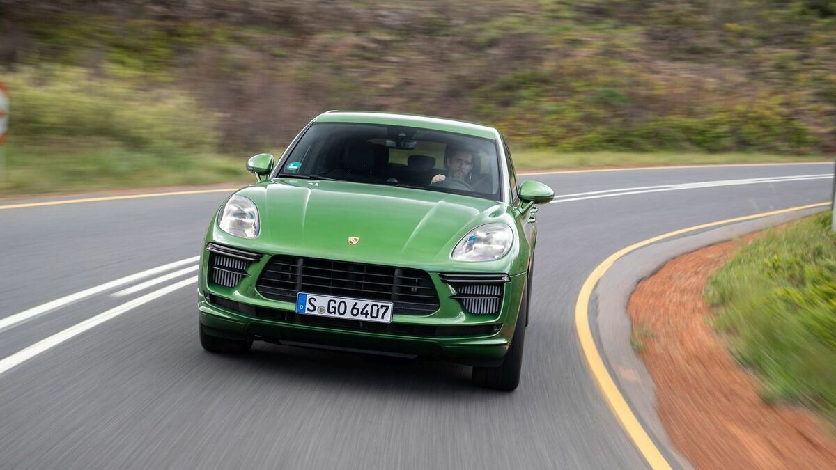 2020 Porsche Macan Turbo New Review