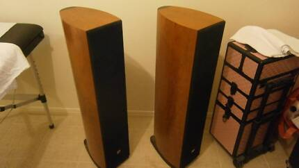 Orpheus Aurora 2's Hi-end floor standing loud speakers
