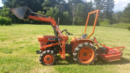 Kubota L1801DT compact tractor