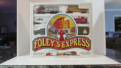 Ho,Foley's Express 1987 train set,old new stock,runs great,Christmas gift.