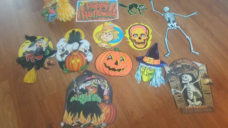 Mixed Lot of 12  Beistle Halloween Die Cut  Decorations  pre-owned