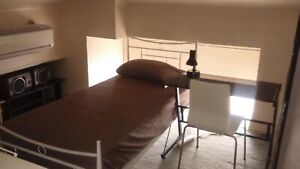 CHEAP SHARE ROOM IN THE CITY FOR A MAN