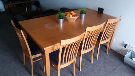Dining table set with 5 chairs  North Narrabeen Pittwater Area Preview