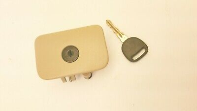 2004 Cadillac SRX Glove Box Latch with Key (Tan)
