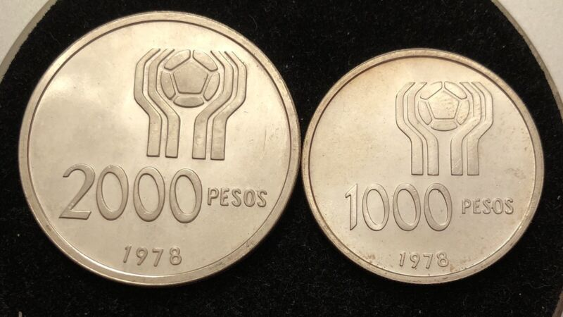 Lot Of 2 Argentina 1978 1000 2000 Pesos Silver Coins BEAUTIFUL CONDITION
