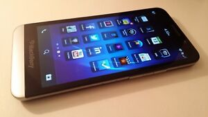 New unlocked Blackberry Z30 with leather pouch