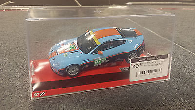 A10116X300 1/32 Aston Martin Vantage Gulf