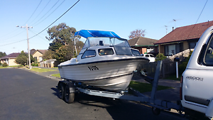 4.8m apollo half cabin Newcomb Geelong City Preview