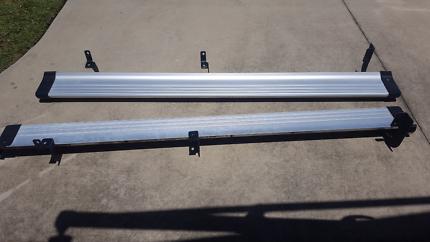 Isuzu Dmax factory alloy step treads
