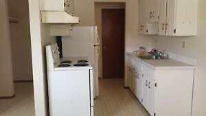 1 bedroom - Minutes away from Nait/ LRT !