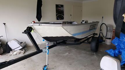 10ft aly craft deep side tinnie 15hp Johnson  Ormeau Gold Coast North Preview