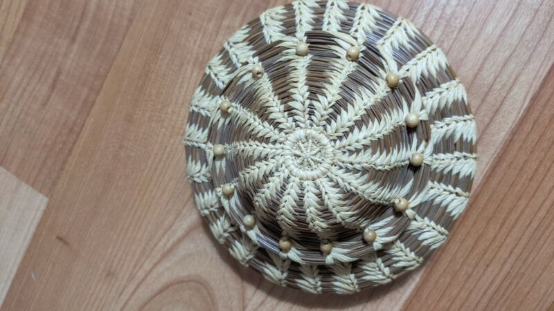 Native American Coushatta Tribe Pine Needle Basket With Lid