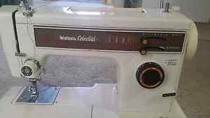Sewing machine Rosemeadow Campbelltown Area Preview