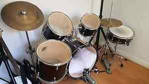 Full drum kit with mute pads Roxburgh Park Hume Area Preview