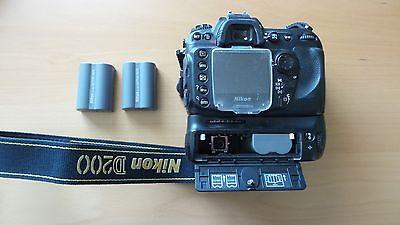 Nikon D200 10.2 MP Digital SLR Camera - Black with MB-D200 hand grip and lens