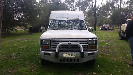 F100 1982 Camper 4x4 V8 Auto