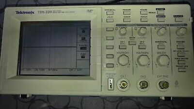Tektronix Tds 220 Two Channel Digital Real-time Oscilloscope 100mhz 1gss