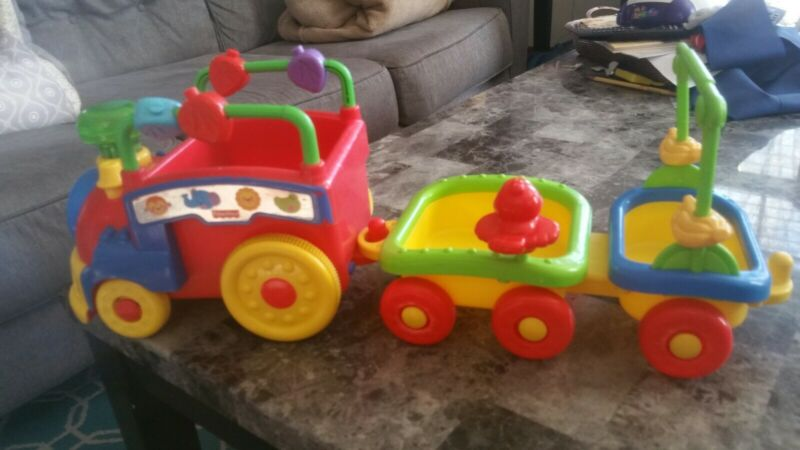 Fisher-Price Amazing Animal Train 2006 Tested Works