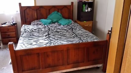 Queen size bed + mattress Fairy Meadow Wollongong Area Preview