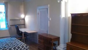 super big double room in big appartment Mile-end-Plateau