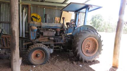 Fordson Tractor E27N 1951 50HP