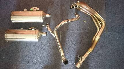 Triumph Speed triple 08  factory exhaust system