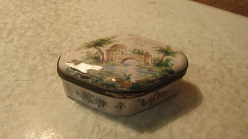 18 th Century Veueve Perrin Faience Snuff Box