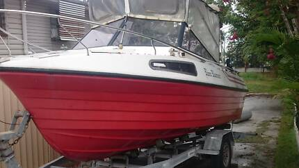 Cox Craft 16ft Half Cabin Boat