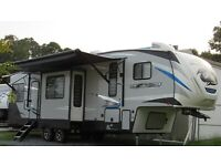 2020 FOREST RIVER CHEROKEE ARCTIC WOLF 311ML 5TH WH TRAILER RV CAMPER 2 A/C