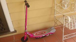 ELECTRIC POWER RAZOR SCOOTER + CHARGER IN EXECELLENT CONDITION Blackburn Whitehorse Area Preview