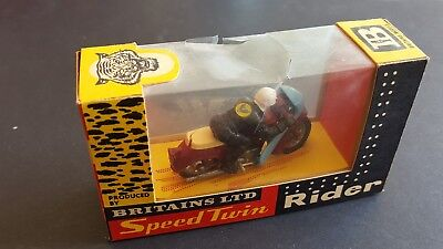 BRITAINS TRIUMPH SPEED  TWIN MOTORCYCLE 500cc  1/32nd Nr  MINT/BOXED #9696