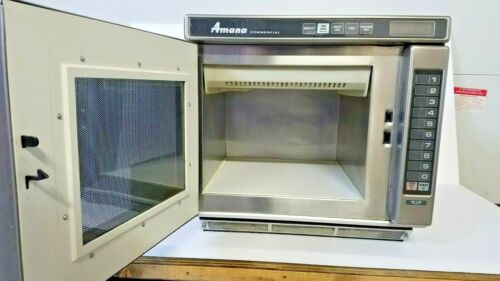 Amana Commercial Microwave Oven RC17S
