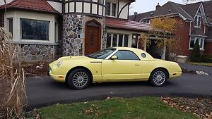 2002 Mint Condition Thunderbird convertable 35060 kms