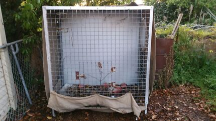 Dog cage- bird avery- cat house... Belmont North Lake Macquarie Area Preview