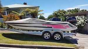 Gilflite Esprit Ski Boat, 200 EFI Mercury Outboard with Trailer Moonah Glenorchy Area Preview