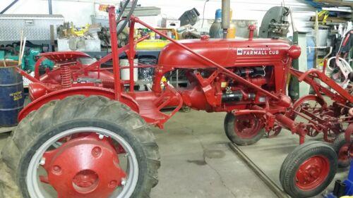 1950 Farmall Cub International Harvester tractor