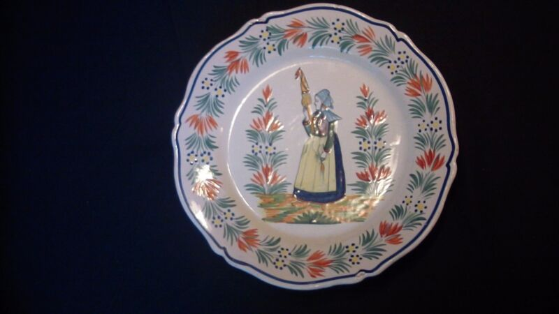 A French Henriot Quimper Plate
