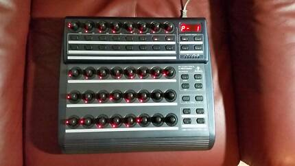 Behringer BCR2000 B-control Rotary USB/Midi Controller