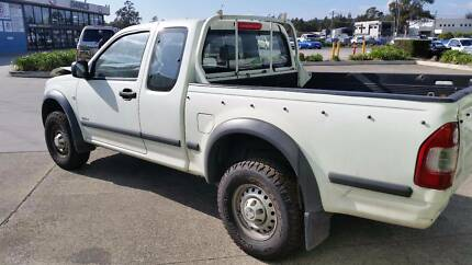 '04 Holden Rodeo, White, 3.5L Eng. 5sp Man.  RWD  NOW DISMANTLING